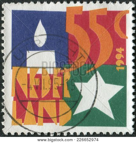Netherlands - Circa 1994: A Stamp Printed In The Netherlands, December Stamps, Shows The Candle, Sta