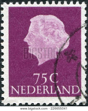 Netherlands - Circa 1971: A Stamp Printed In The Netherlands, Shows Juliana Of The Netherlands, Circ