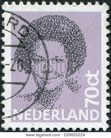 Netherlands - Circa 1982: A Stamp Printed In The Netherlands, Shows Beatrix Of The Netherlands, Circ