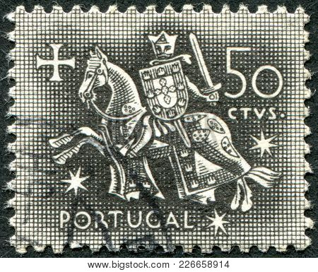 Portugal - Circa 1953: A Stamp Printed In The Portugal, Is Depicted Equestrian Seal Of King Diniz, C