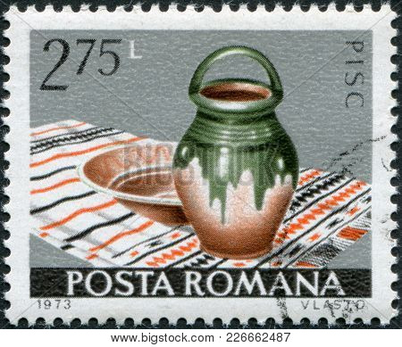 Romania - Circa 1973: A Stamp Printed In The Romania, Shows The Bowl And Jug, Pisc, Circa 1973