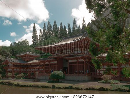 Byodo-in Japanese Buddhist Temple, Oahu, Hawaii, United States