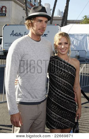 LOS ANGELES - AUGUST 14: Kristen Bell; Dax Shepard at the 2011 VH1 Do Something Awards at the Hollywood Palladium on August 14, 2011 in Hollywood, Los Angeles, California.