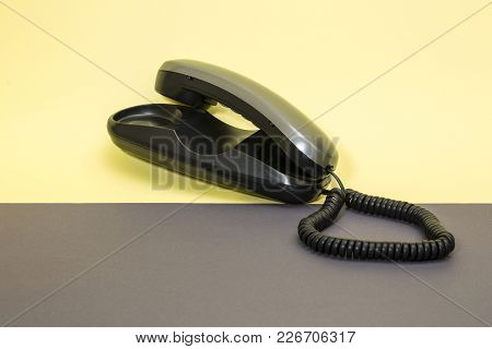 Handset And Fixed Telephone With Tone Dialing
