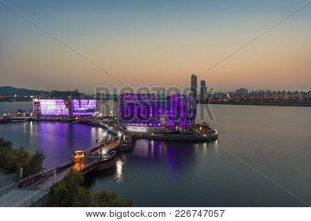 Seoul, South Korea -  June 18: Sunset View Of Seoul City  Banpo Park Artificial Island Located In Ha