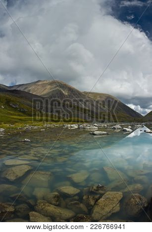 Beautifull View To Mountains And  Turquoise Clear Lake In Altaj, Russia  At The Summer
