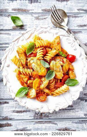 Fusilli Pasta with Chicken and Cherry Tomatoes