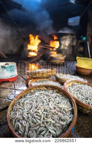 Shrimp In Basket Before Boiling On Fire. Seafood Processing At Fish Market In Quy Nhon, South Vietna