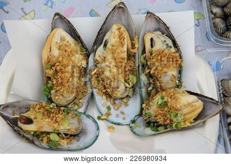 Mussels Grilled Mussels Seasoning With Thai Sauce
