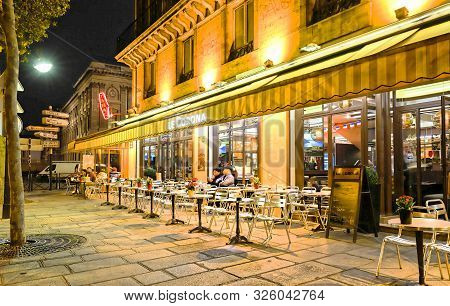 Paris, France-october 05, 2019 : The Cafe Corona Located In Les Halles District Of Paris.there Are A