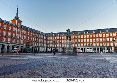 Madrid, Spain - January 22, 2018:  Morning View Of Plaza Mayor With Statue Of King Philips Iii In Ma