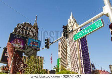 Las Vegas, Nevada, Usa - May 6, 2019: Panorama Street Scene Of The Las Vegas Boulevard With Street L