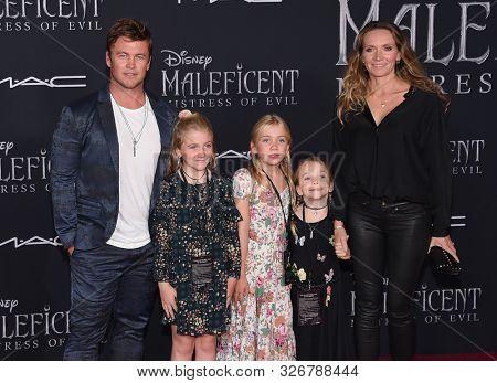 LOS ANGELES - SEP 30:  Luke Hemsworth, Holly Hemsworth, Harper, Alexandre and Samantha Hemsworth arrives for 'Maleficent: Mistress of Evil' World Premiere