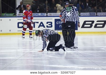 Referees Repearing The Ice