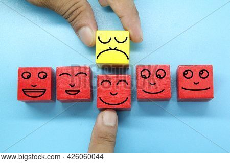 The Concept Of Emojis Was Shocked By The Exchange Of Employees And Replaced