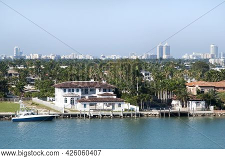 The View Of Residential Palm Island Luxury Houses And Miami Beach Skyline In A Background (florida).