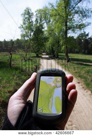Navegación al aire libre con un GPS de mano