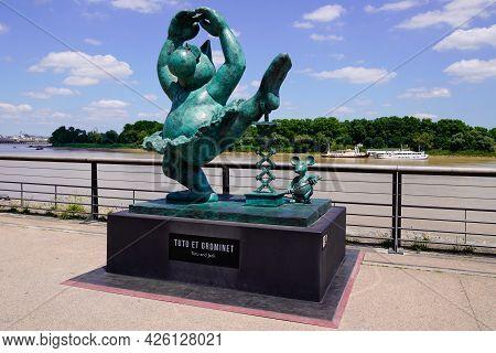 Bordeaux , Aquitaine France  - 07 04 2021 : Exhibition Le Chat Deambule The Cat Walks Statue Tutu An