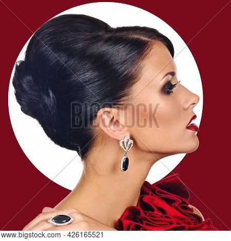 Profile Photo Of Vogue Style Fashion Woman In Jewelry, Red Background With Circular Space