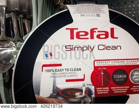Belgrade, Serbia - June 29, 2021: Tefal Logo On A Nom Stick Pan In Teflon For Sale In Belgrade. Tefa