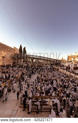 Jerusalem, Israel. 29-03-2021. Top View Of People Pray The Morning Prayer Of The Week Of Passover At