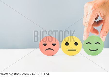 Hand Choose Green Paper Cut, Happy Smiling Face For Mental Health Assessment ,positive Thinking, Wor