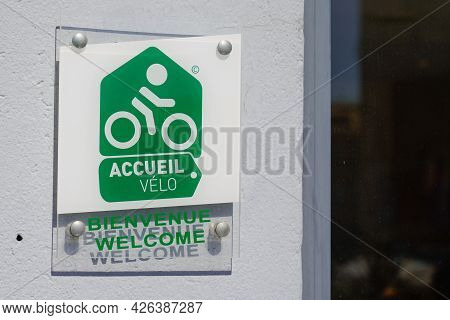 Toulouse , Ocitanie France  - 06 30 2021 : Accueil Velo Bienvenue Means In French Bike Cycle Bikers