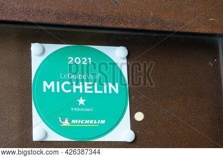 Albi , Ocitanie France  - 06 30 2021 : Michelin Guide Vert Logo Sign And Green Text Brand Of Guides