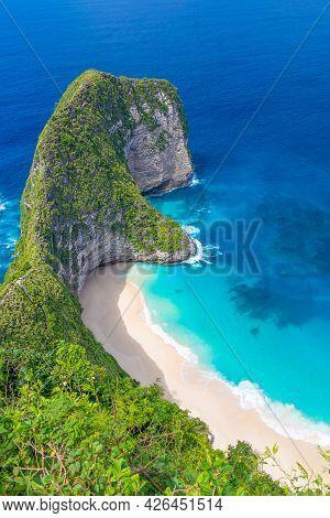 Beautiful Beach In Bali. Kelingking, Nusa Penida, Bali, Indonesia.