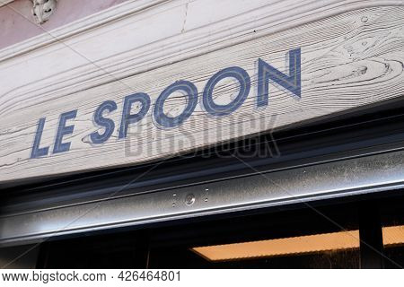 Sete , Ocitanie France  - 06 30 2021 : Le Spoon Sign Brand And Logo Text On Bar Of Tv French Series