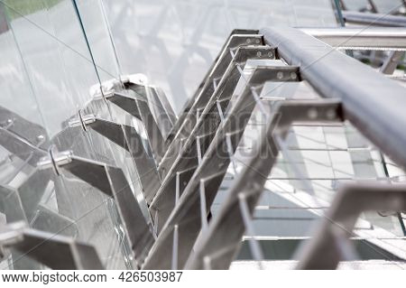 Steel Structure Pedestrian Bridge Railing With Frameless Fixings For Close-up Glass Striker, Fixing