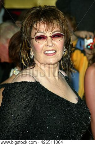 LOS ANGELES - MAR 16: Roseanne Barr arrives to ABC's 50th Anniversary Celebration on March 16, 2003 in Hollywood, CA