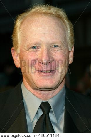 LOS ANGELES - MAR 16: Donny Most arrives to ABC's 50th Anniversary Celebration on March 16, 2003 in Hollywood, CA