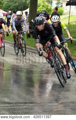 Wauwatosa, Wi/usa - June 26, 2021: Category Four And Novice Men Racers Chase The Leader At Washingto