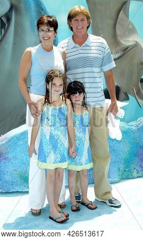 LOS ANGELES - MAY 18: Kris Jenner, Bruce Jenner, Kendall Jenner and Kylie Jenner arrives to  the 'Finding Nemo' Hollywood Premiere on May 18, 2003 in Hollywood, CA