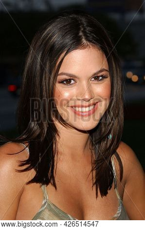 LOS ANGELES - JUL 18: Rachel Bilson arrives to  the 2003 TCA Summer Press Tour - FOX Party on July 18, 2003 in West Hollywood, CA