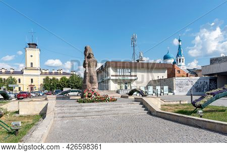 Gatchina, Gatchinsky District, Leningrad Region, Russia - July 8, 2021: Monument To Soviet Soldiers-