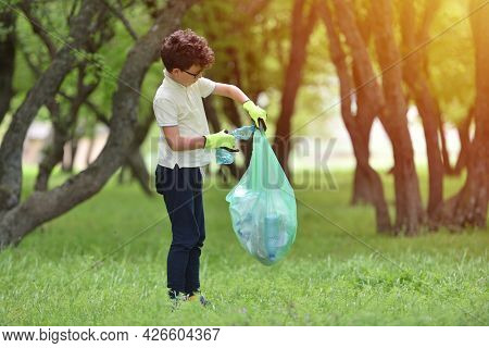 Recycle Waste Litter Rubbish Garbage Trash Junk Clean Training. Nature Cleaning, Volunteer Ecology G