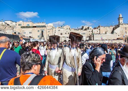 JERUSALEM, ISRAEL - NOVEMBER 16, 2011: The Old City of Jerusalem. Great religious Jewish holiday. The symbol of faith and reliability of millions of Jews