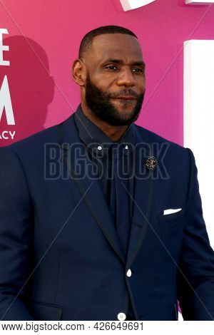 LOS ANGELES - JUL 12:  LeBron James at the Space Jam:  A New Legacy Premiere at the Microsoft Theater on July 12, 2021 in Los Angeles, CA