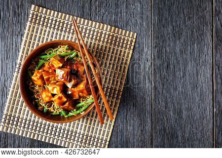 Sweet And Spicy Asian Noodle Green Bean Bowl With Hoisin Baked Crunchy Tofu, Horizontal View From Ab