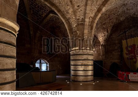 Acre, Israel, June 26, 2021 : Reconstructed Large Stone Dining Room In The Crusader Fortress Of The