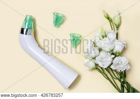 Blackhead Vacuum Remover Or Pore Cleaner Is Home Beauty And Skin Care Device For Facial Cleaning. Te