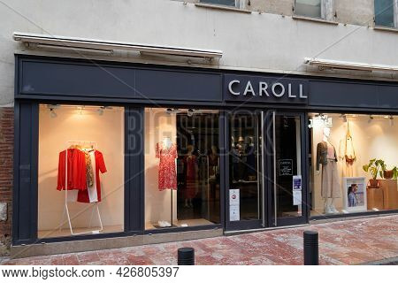 Toulouse , Occitanie France  - 06 25 2021 : Caroll Facade Logo Brand Fashion Shop And Text Sign Stor