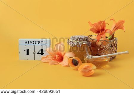 Calendar For August 14 : The Name Of The Month Of August In English, Cubes With The Number 14, Honey