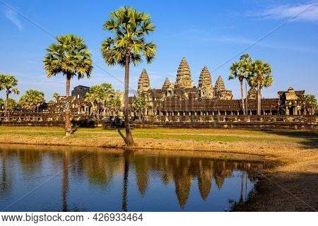 Angkor Wat Is A Beautiful Stone Castle Of The Khmer Empire. Located In The Center Of Angkor Thom