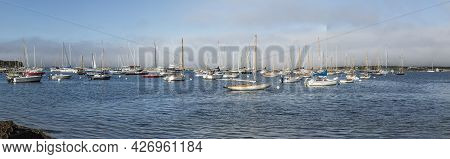 Vineyard Haven, Usa - September 25, 2017: Sailing Ships Anchor In The Harbor Of Vineyard Haven, Isla