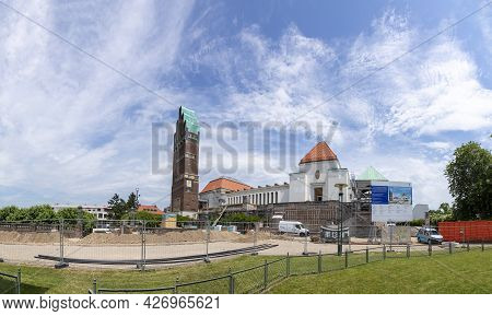 Darmstadt, Germany - June 28, 2021: The Art Nouveau Artist Area Mathildenhoehe In Darmstadt Under Re