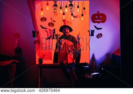 31 October. Best Ideas For Halloween. Happy Weekends With Father. Trick Or Treat. Halloween On The W