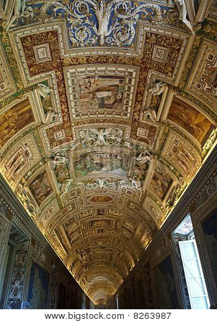 The Vatican Museum, Ile View